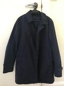 Uni Qlo dark blue men's button trench coat