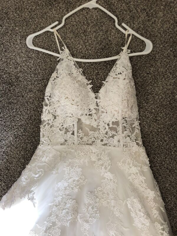 Beach Wedding Dress Size 6 With Custom Added Bustle Tailored Cream/ Off White