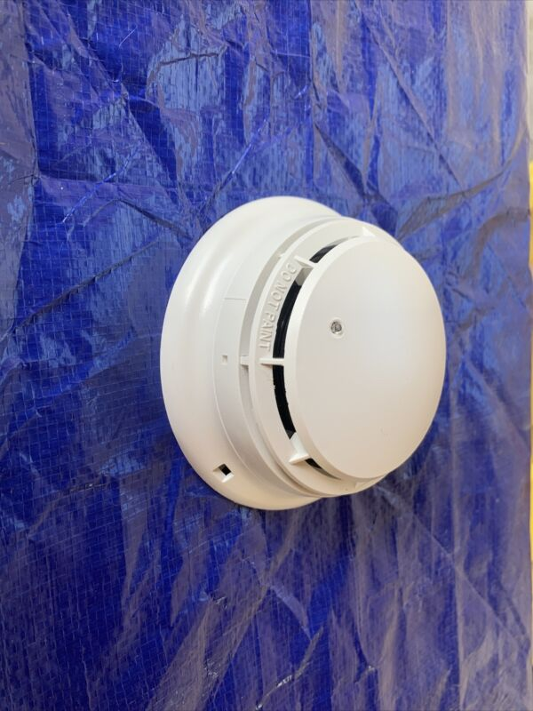Simplex Smoke Detector w/Base (4098-9601 detector/4098-9788 base