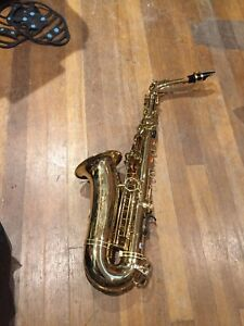 MINT Condition / Like NEW  Saxophone