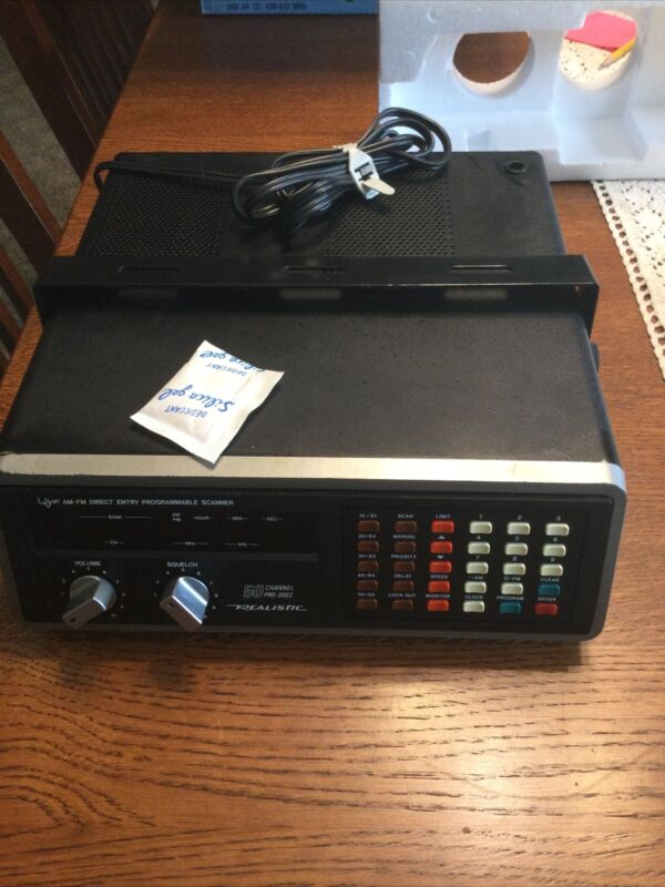 *New In Box*REALISTIC RADIO SHACK PRO-2002 50 CHANNEL SCANNER Model 20-116