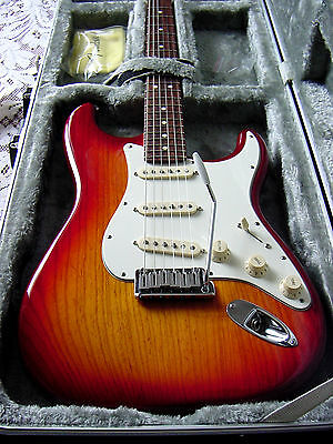 Fender Jeff Beck Artist Series Stratocaster Cherry Burst Color2009near mint