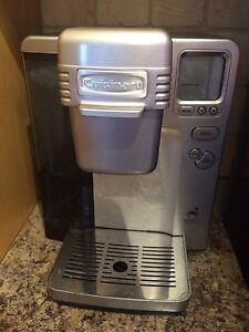 Cuisinart Single Serve Brewer with 90 kcups and holder