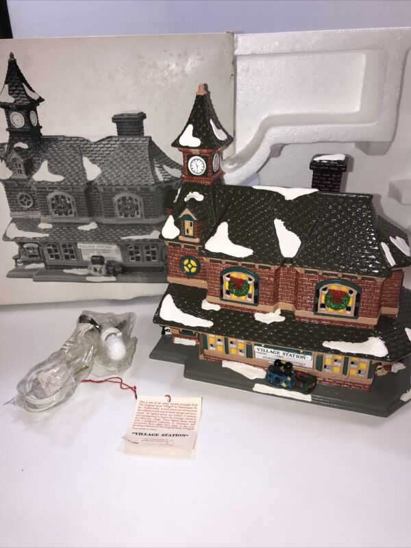Department Dept 56 Snow Village Station 1992 Lighted Building