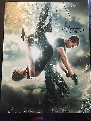 Divergent Shailene Woodley Autographed Signed 11X14 Photo Coa