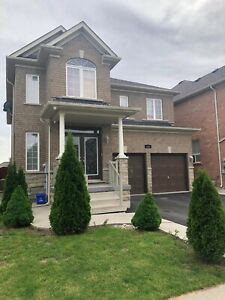 AUGUST 1st Nice clean 4 Bedroom Detached Upper House for Rent