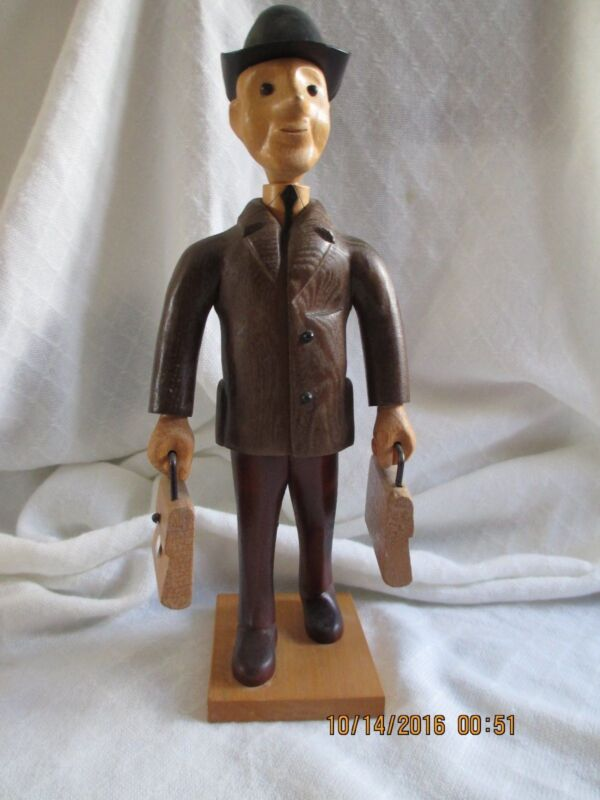 VINTAGE ITALIAN HAND CARVED WOOD SALESMAN WITH BRIEFCASES IN EACH HAND