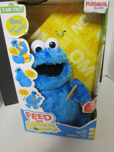 Feed Me Cookie Monster (Plush Interactive Toy)  Playskool Friends Sesame Street