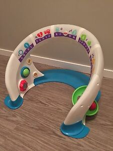 FISHER-PRICE Bright Beats Smart Touch Play Space - English