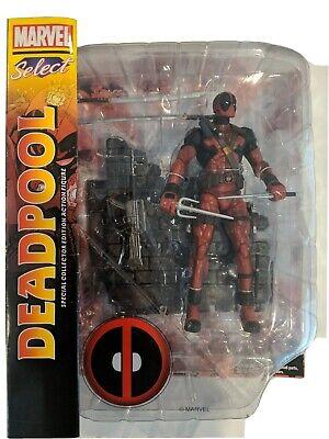 Deadpool Classic Costume (Marvel Select Deadpool Collectors Action Figure Classic Costume)