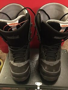 Snowboard boots Thirty Two brand