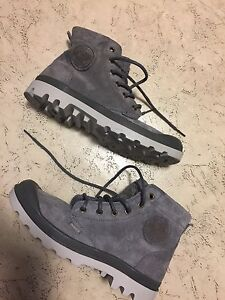 Brand new never used Palladium Boots for 80 Dollars  size 7  West Island Greater Montréal image 1