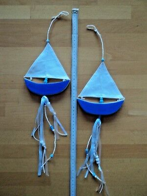 Maritime Dekoration zum Hängen - 2 süße Schiffe mit Segel und Bändern blau weiß