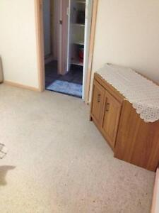 1 Bed Room  Available for Rent (in 4 Bed Room House) Lakelands Lake Macquarie Area Preview