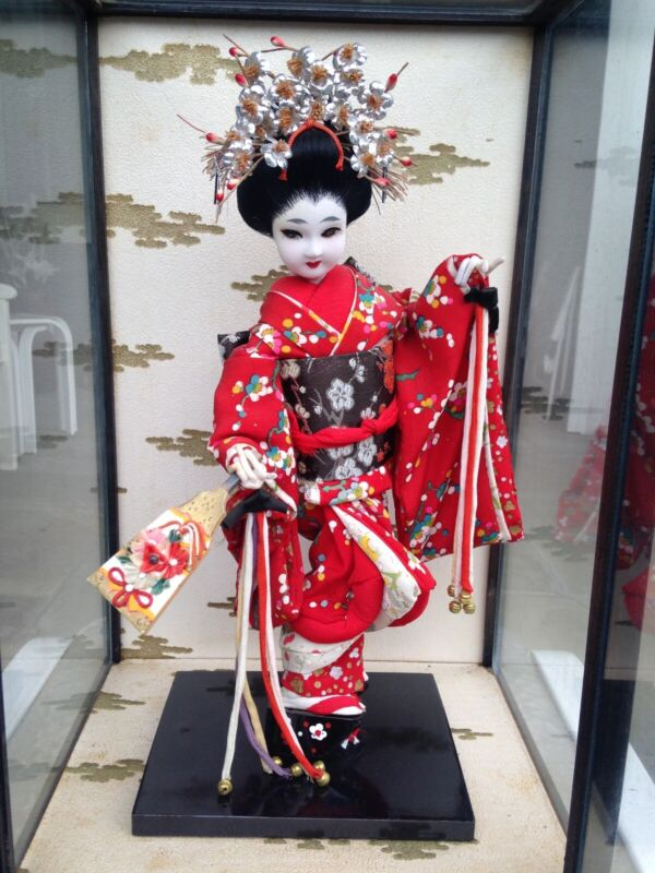 Antique Japanese Geisha Doll in Silk Kimono in Glass Case. Vintage.