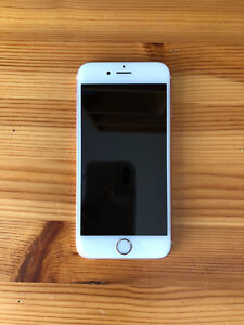 iPhone 6S 64GB Rose Gold with Tech 21 Case - like new! UNLOCKED