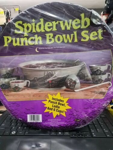 Fun World Spider Web Punch Bowl Set