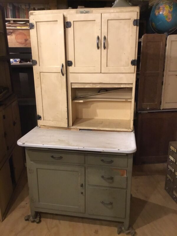 Hoosier Type Kitchen Cabinet - Napanee Kitchen Cabinet