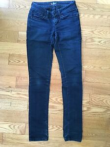 Guess Skinny Jeans - size 24