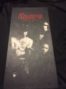 Coffret du groupe THE DOORS