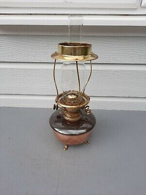 Hinks keylift No2 oil lamp on brass claw feet & brass shade holder copper OL37