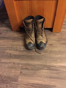 Size Eight Terra Safety Boots