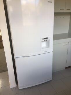 """Upside down"" Samsung SRL550DW fridge"