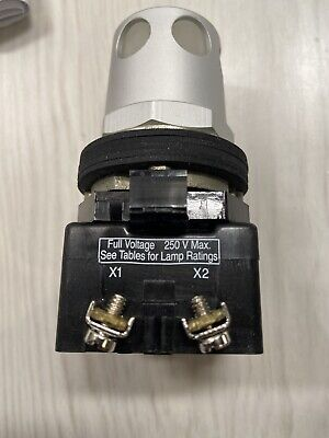 Eaton Ht8gdwf7 Illuminated White Push Button