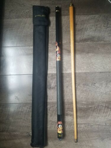 2 Piece Riley Pool/Snooker Cue With Soft Case