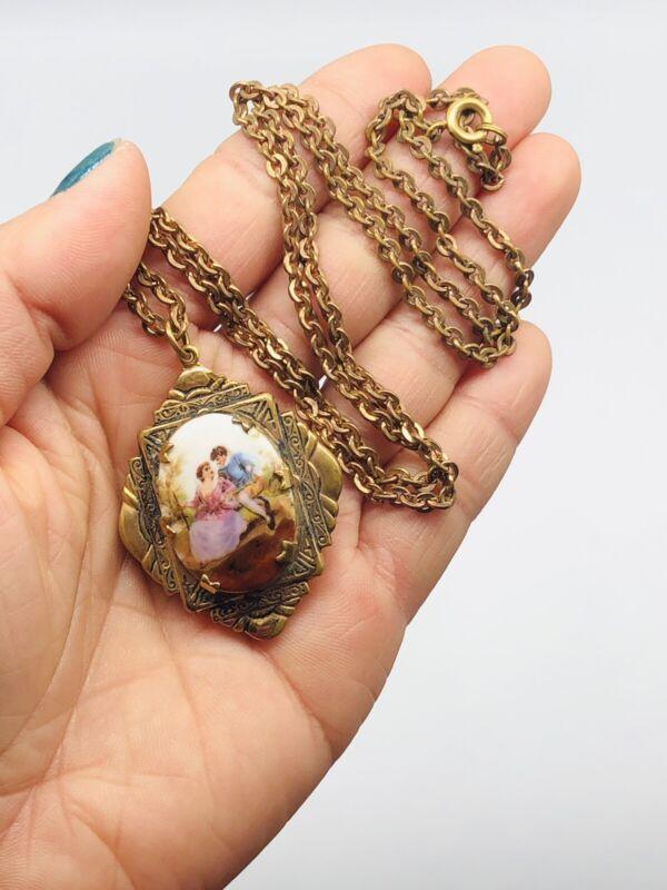 """Vtg Antique Victorian HandPaint Picture Locket Pendant Brass Chain Necklace 24"""""""