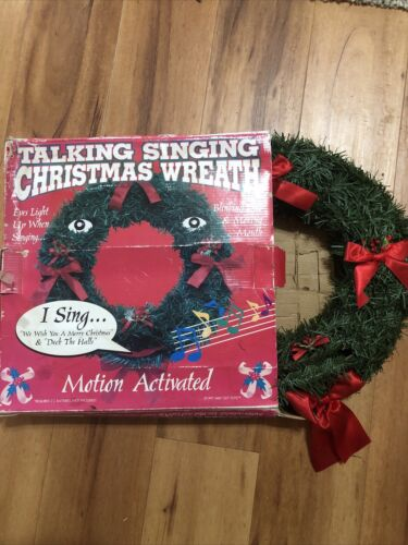 Vintage Talking Singing Christmas Wreath Motion Activated Sings Movements Broke - $10.00