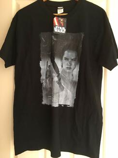 BRAND NEW Star Wars The Force Awakens Rey - Size L - Men's T