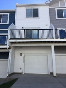 Cochrane Newly Built Townhouse