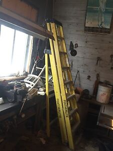 8' Fibreglass step ladder