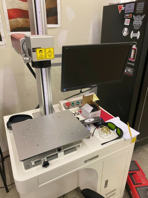 30w fiber laser engraver, boss laser, comes with 2 lenses, 110, 220,rotary chuck