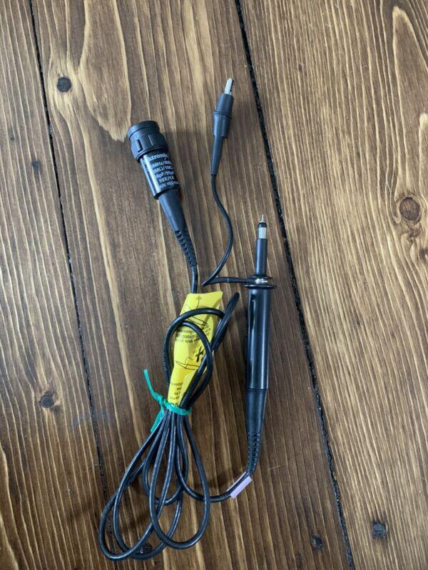 Tektronix P2220 200MHz/6MHz 16pF/95pF 10X/1X Voltage Probe