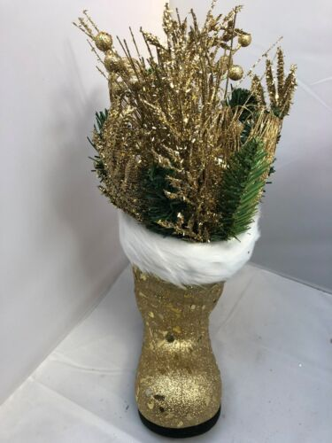 CHRISTMAS+GOLD+BOOT+WITH+GOLD+DECORATIONS+AND+FIR+IDEAL+FOR+AN+XMAS+ORNAMENT