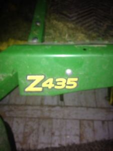JD Zero  Turn Z435 Lawnmower
