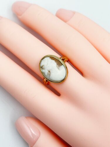Vintage 10K Yellow Gold Lady Cameo Ring