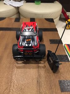 Remote control R/C monster truck