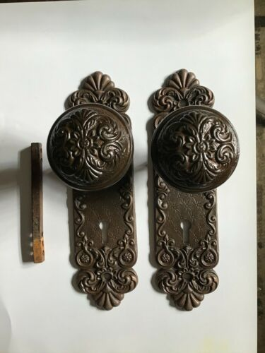 Antique Set Old House Ornate Victorian Gothic Cast Iron Door Knobs & Back Plates