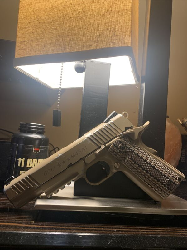 Colt CO2 gas blowback 1911 Tactical Full Metal airsoft Pistol by KWC With 3 Mags
