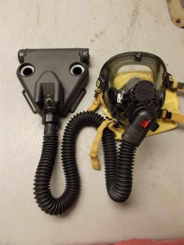 Scott Mask AV2000 P/N 804019-01 Small w/ Scott C420 Blower Assembly