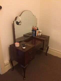 Vintage retro style dressing table $45 (sold pending collection)  Albert Park Port Phillip Preview