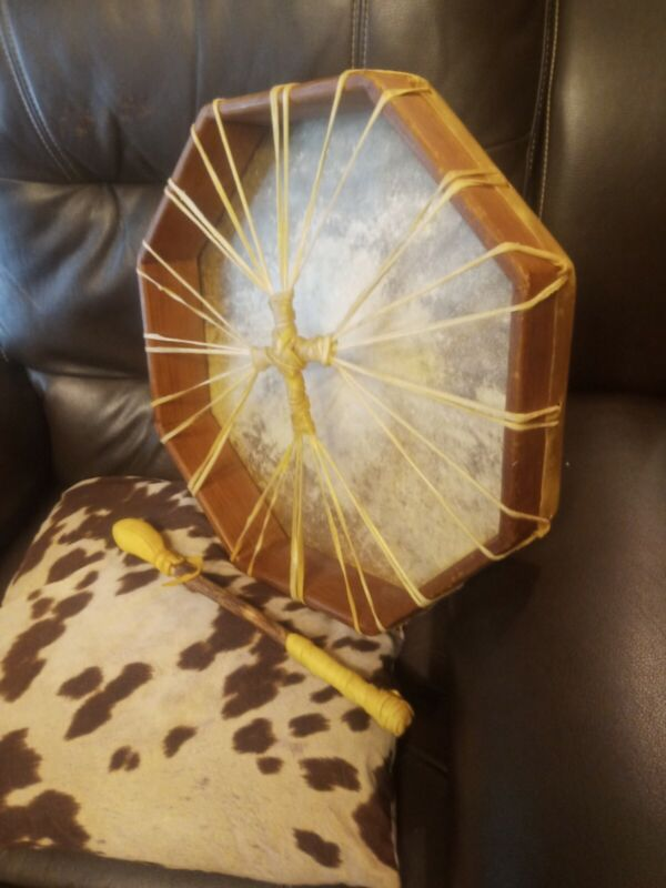 **AWESOME OLD  VINTAGE NATIVE AMERICAN  RAWHIDE HAND DRUM NICE SHAMAN *