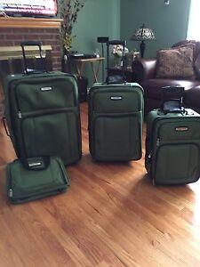 4 pc Tracker luggage