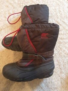 Sorel boots - size 6 youth