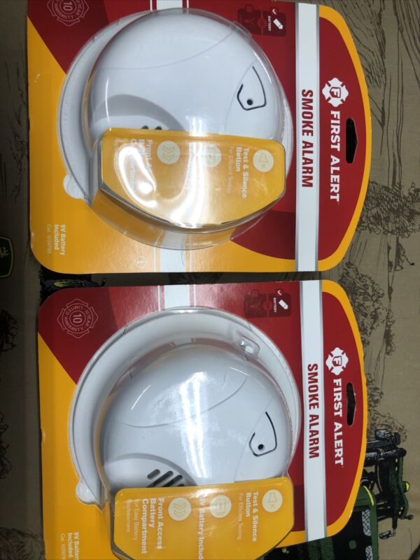 FIRST ALERT  Battery Operated (included) Smoke Alarm Lot Of 2 Free Shipping
