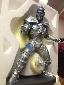 BATMAN & ROBIN: MR FREEZE figurine/ statue
