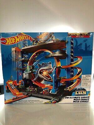 Mattel FTB69 Hot Wheels Ultimate Garage Shark Loop Cars Kids Toys NIB